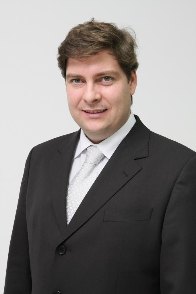 LUIS FERNANDO, GRUPO POLICOM